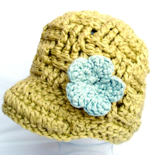 Crochet baby beanie in organic cotton spring green